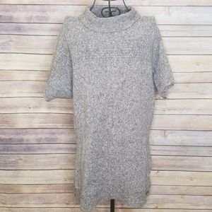Columbia L gray soft short sleeve sweater